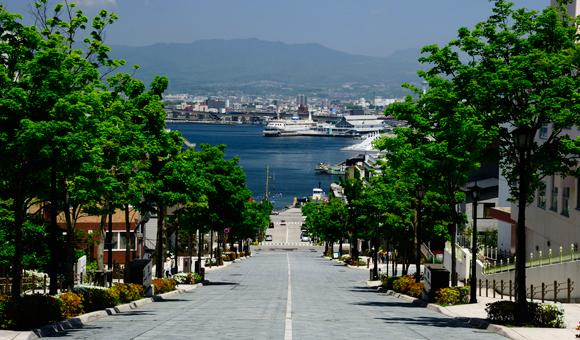 [ Topics ]<br/>リゾートウエディング特集 情緒あふれる、歴史ある街。函館元町のリゾートウェディングをご紹介。